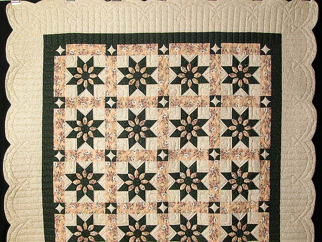Dark Green and Peach Dahlia Quilt Photo 2