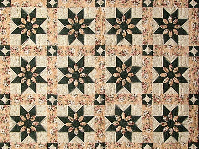 Dark Green and Peach Dahlia Quilt Photo 3