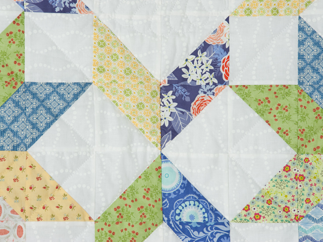 FRESH plus Pillow Shams -blues/yellows/greens Queen Size Bed Quilt Photo 4