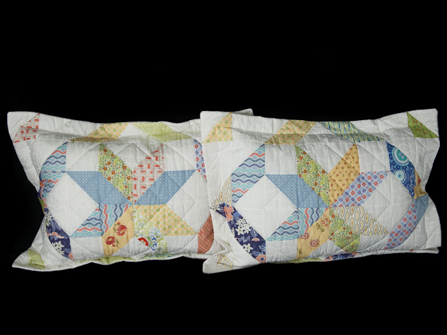 FRESH plus Pillow Shams -blues/yellows/greens Queen Size Bed Quilt Photo 6