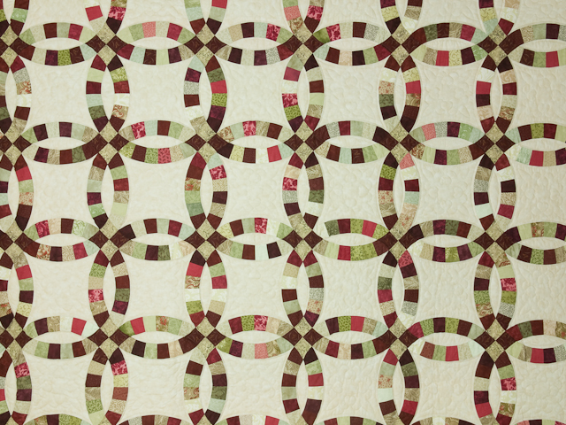 Double Wedding Ring Quilt Burgundy/sage queen size bed quilt Photo 3