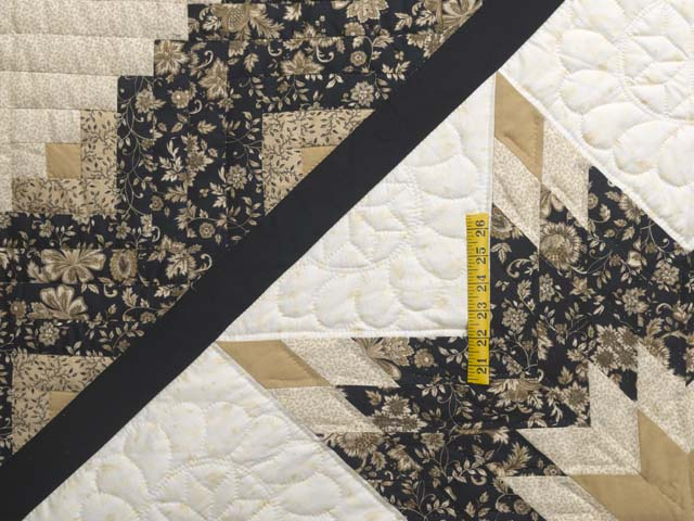 Black Gold and Tan Lone Star Log Cabin Quilt Photo 4