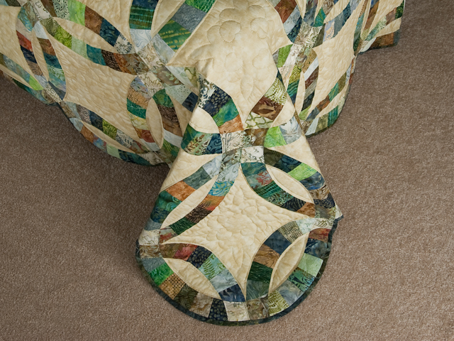 Wedding Ring in Batiks  Queen Bed Size Quilt Photo 7