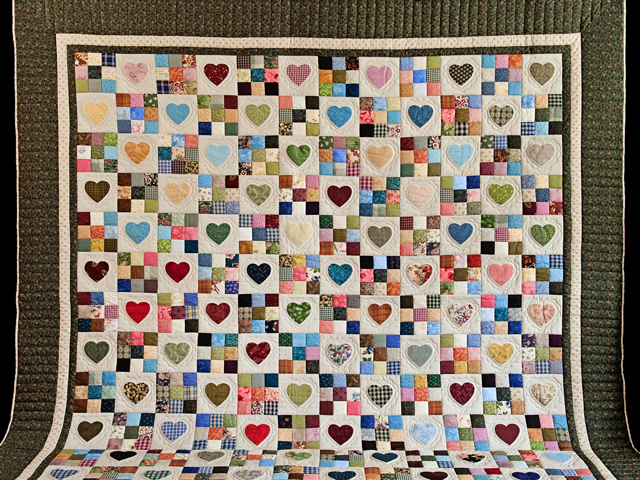 Green and Multicolor Hearts and Nine Patch Quilt Photo 2