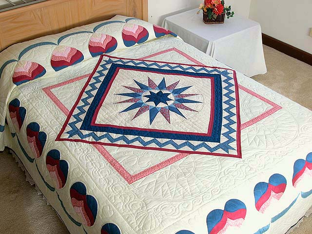 Blue and Rose Mariners Medallion Quilt Photo 1