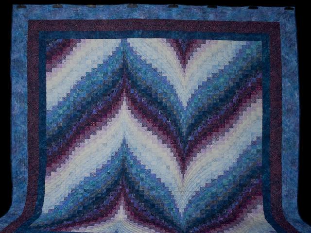Bargello Flame Batik style fabrics  King size bed Photo 2