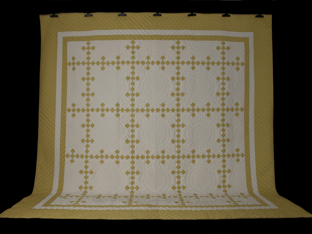 Artichoke green and Ivory  Nine Patch KING Quilt Photo 2