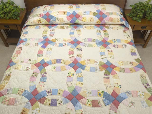 Queen Pastel Double Wedding Ring Quilt Photo 1
