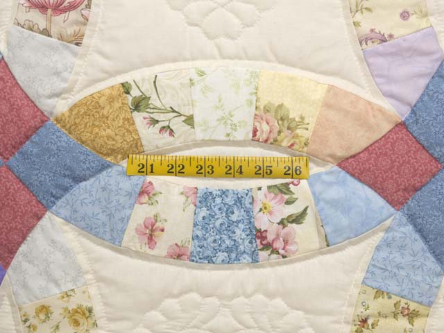 Queen Pastel Double Wedding Ring Quilt Photo 5