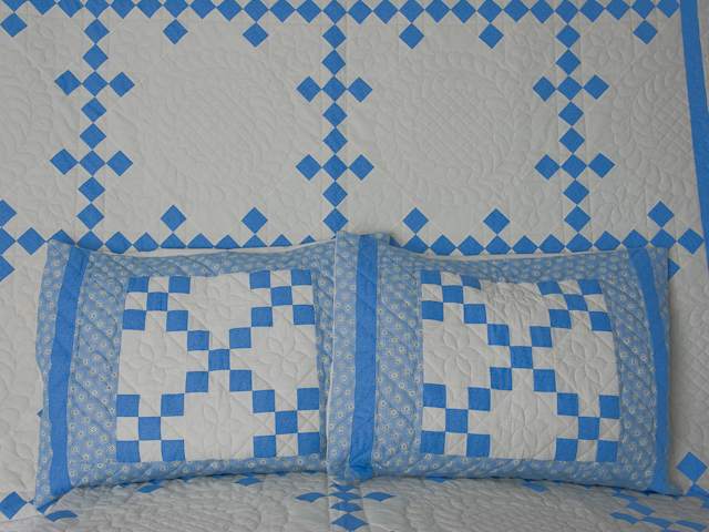 Nine Patch Queen Size with Shams 