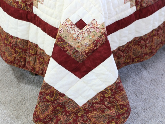 Burgundy and Cream Lone Star Log Cabin Quilt Photo 6