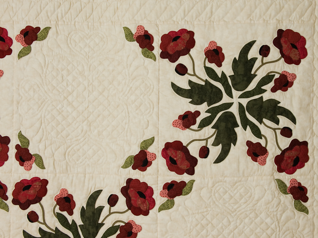 Poppy Fields Quilt Burgundy and green on ivory Photo 4