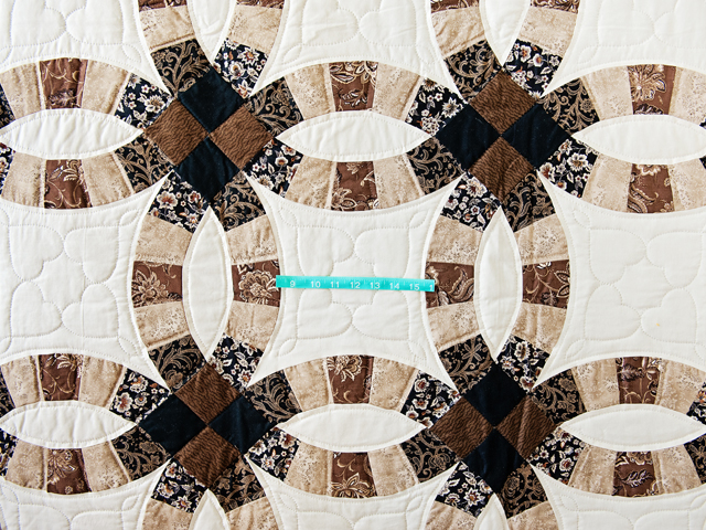 Browns and Black Double Wedding Ring Quilt Photo 4