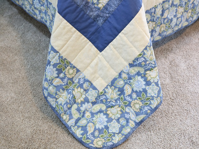 Blue and Yellow Lone Star Log Cabin Quilt Photo 8