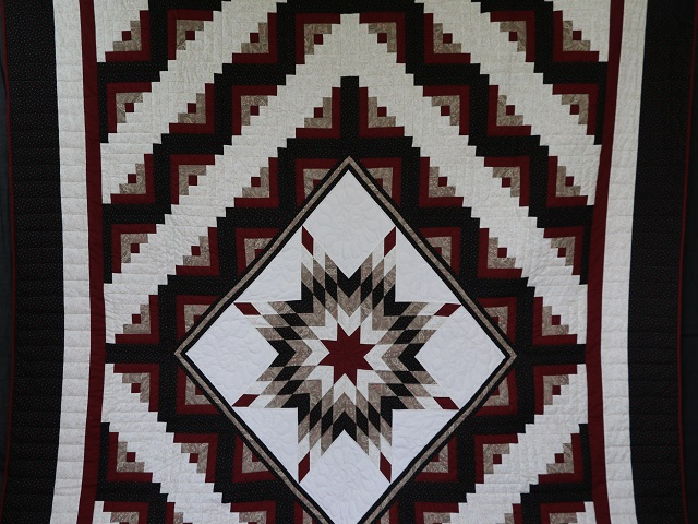 Black and Burgundy Lone Star Log Cabin Quilt Photo 2