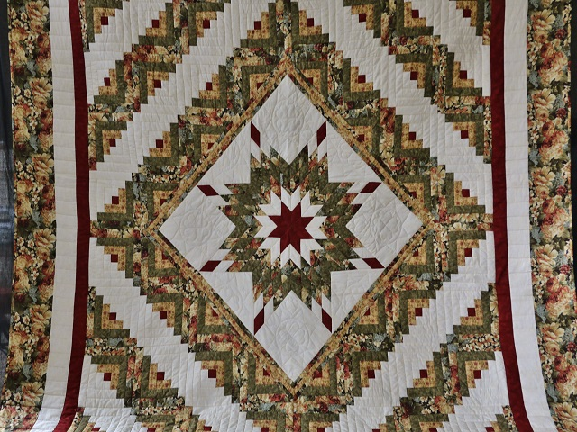 Moss Green and Deep Burgundy Lone Star Log Cabin Quilt Photo 2