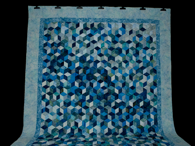 Tumbling Blocks Queen Size Quilt