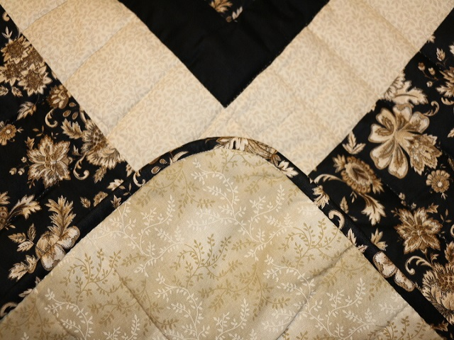 Black Gold and Tan Lone Star Log Cabin Quilt Photo 8