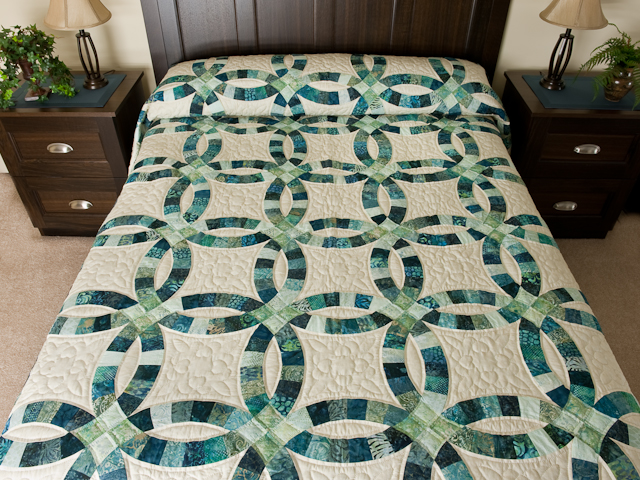 Double Wedding Ring Quilt magnificent meticulously made Amish