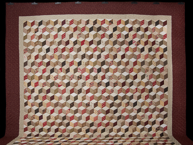 Burgundy and neutral Tumbling Blocks Queen size bed quilt Photo 2