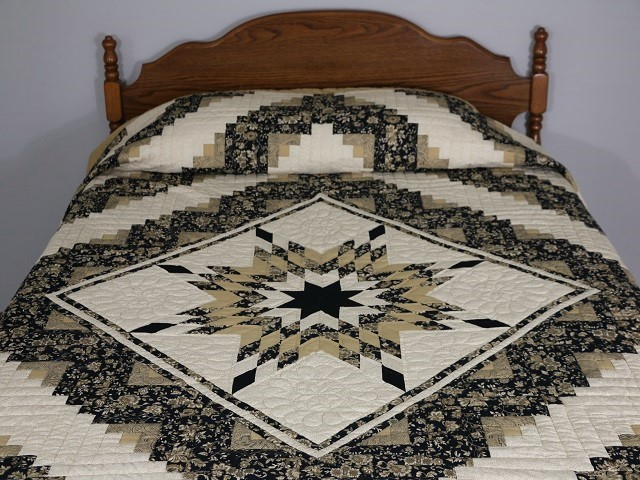 Black Gold and Tan Lone Star Log Cabin Quilt Photo 1