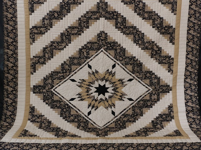 Black Gold and Tan Lone Star Log Cabin Quilt Photo 2