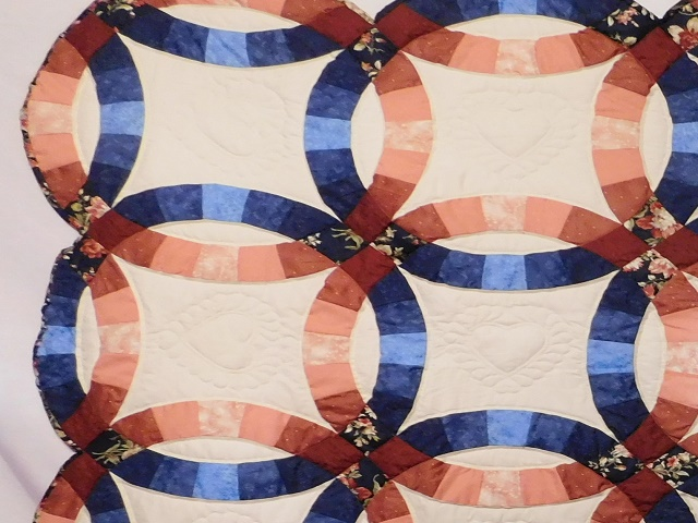 Navy and Salmon Double Wedding Ring Quilt Photo 4