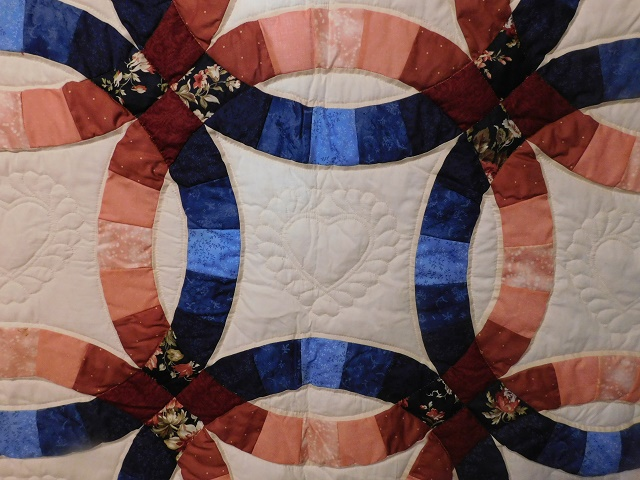 Navy and Salmon Double Wedding Ring Quilt Photo 5