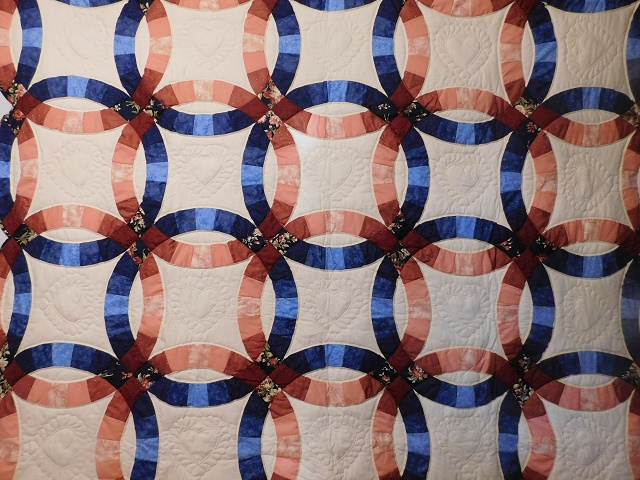 Navy and Salmon Double Wedding Ring Quilt Photo 8