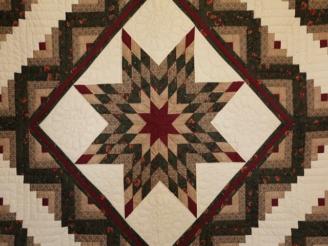 Earthtones Lone Star Log Cabin Quilt Photo 3