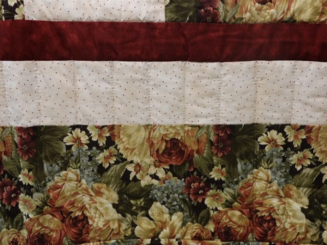 Green Gold and Deep Burgundy Lone Star Log Cabin Quilt Photo 7