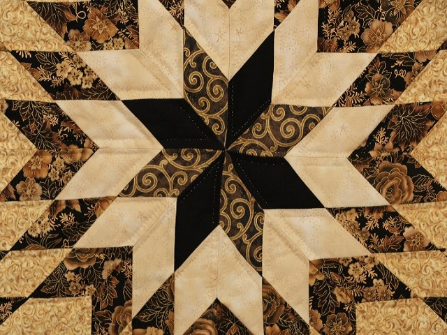 Black and Gold Lone Star Log Cabin Quilt Photo 5