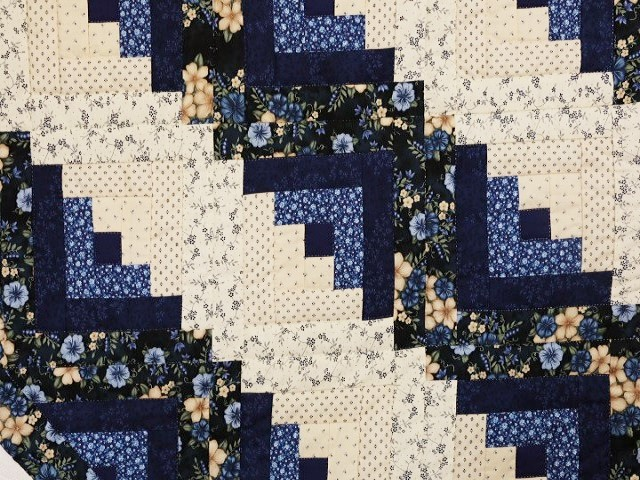 Blue and Cream Lone Star Log Cabin Quilt Photo 6