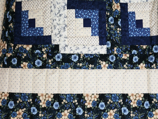 Blue and Cream Lone Star Log Cabin Quilt Photo 7