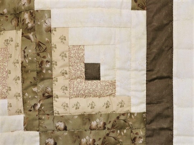 Soft Olive Green and Cream Lone Star Log Cabin Quilt Photo 5