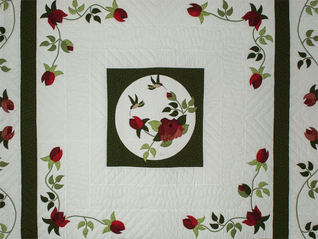 I Promised you a Rose garden Queen Quilt with appliqued shams included Photo 3