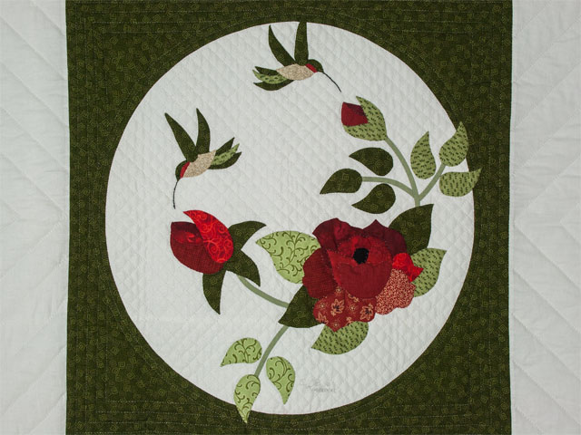 I Promised you a Rose garden Queen Quilt with appliqued shams included Photo 4