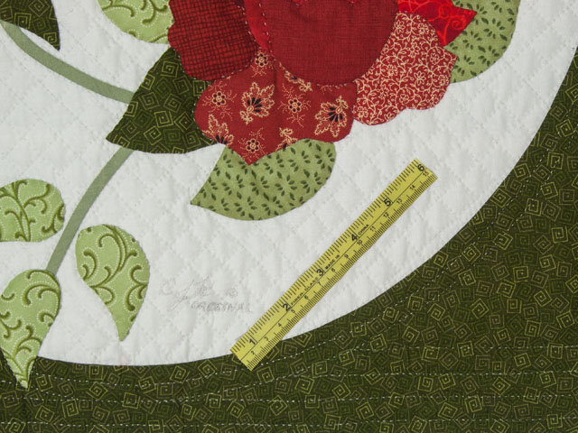 I Promised you a Rose garden Queen Quilt with appliqued shams included Photo 8