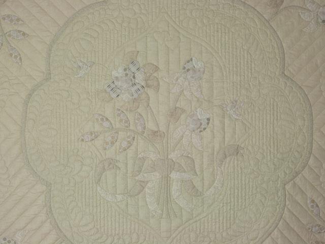 Lancaster Treasure - Queen  Chevron border/neutrals/tans/grays/ ivory Photo 4