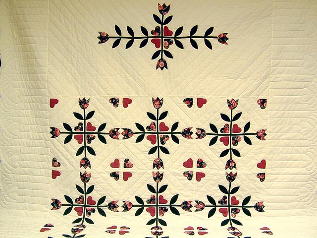 Rose and Dark Green Tulip Applique Quilt Photo 2