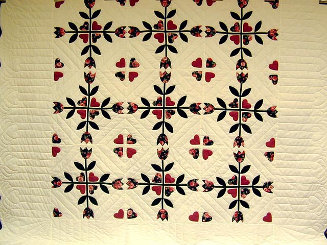 Rose and Dark Green Tulip Applique Quilt Photo 3