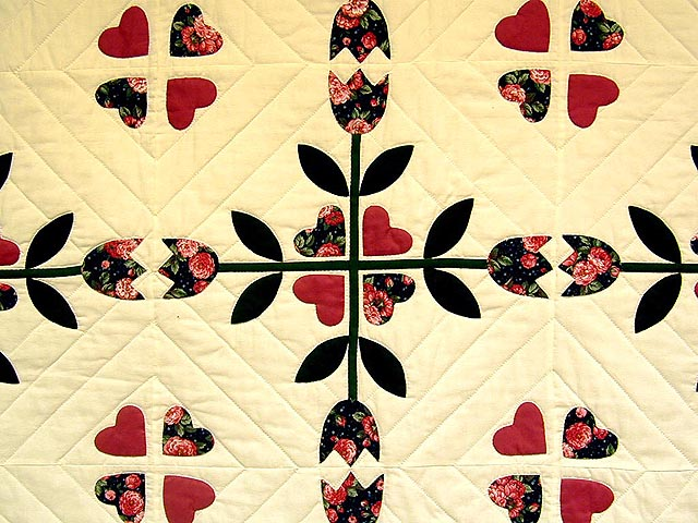 Rose and Dark Green Tulip Applique Quilt Photo 4