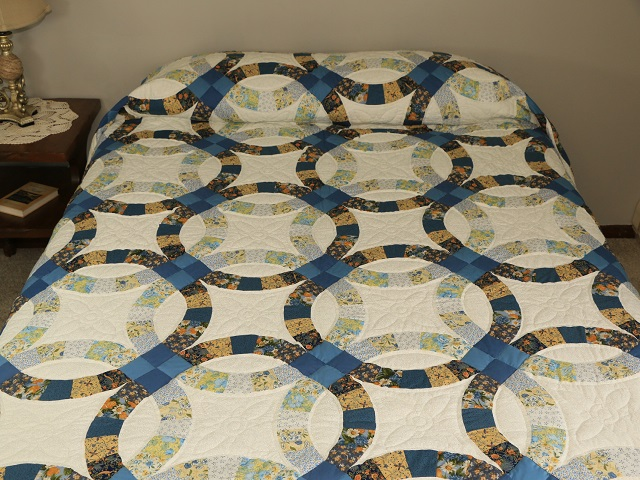 Blue and Yellow Wedding Ring Quilt Photo 1