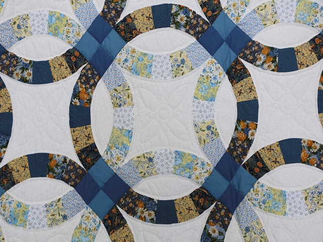 Blue and Yellow Wedding Ring Quilt Photo 4