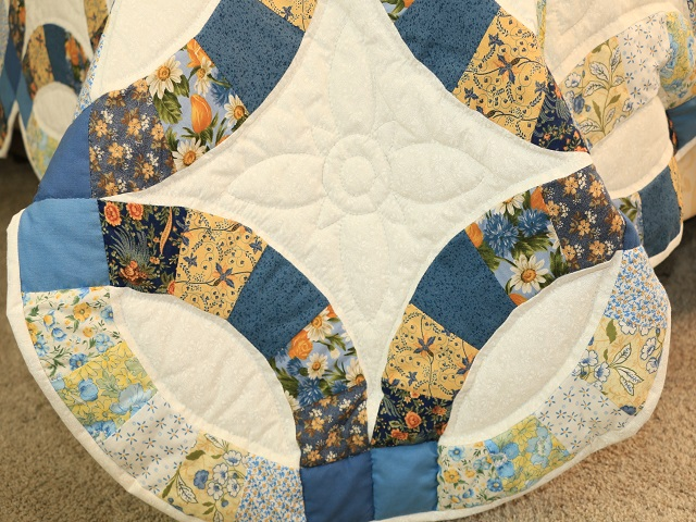 Blue and Yellow Wedding Ring Quilt Photo 7