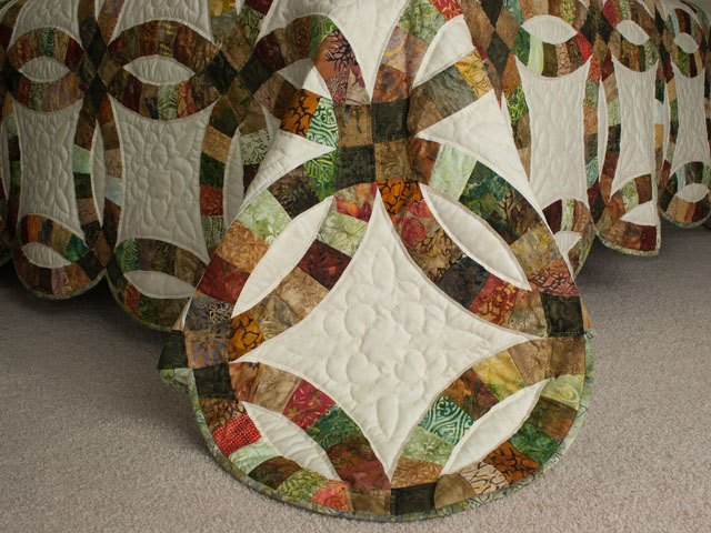 Double Wedding Ring Queen Batiks in Earthtone Greens, Corals, Golds Photo 7