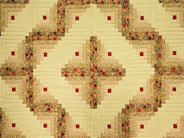 Red and Tan Log Cabin Quilt Photo 3
