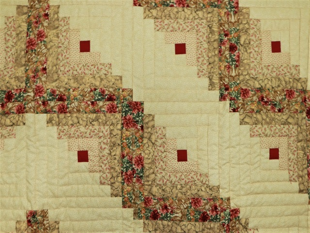 Red and Tan Log Cabin Quilt Photo 4