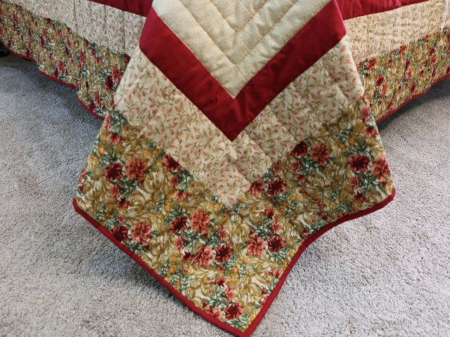 Red and Tan Log Cabin Quilt Photo 8
