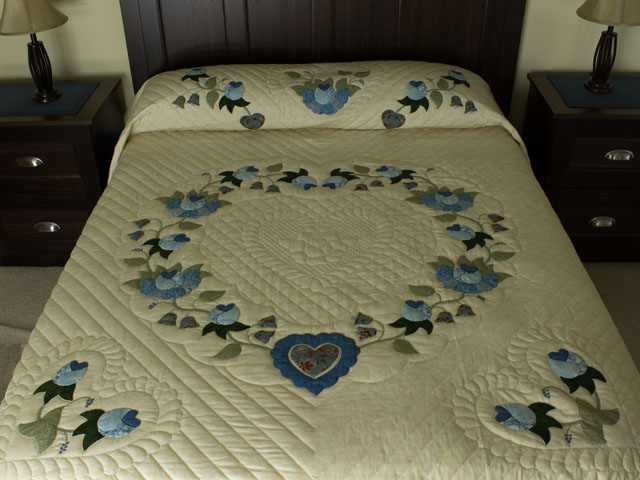 Blue and Green Heart of Roses Quilt in Queen Photo 1